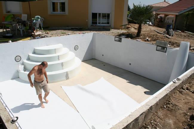 Piscine kit facile montage kit piscine solidpool for Pose feutre piscine