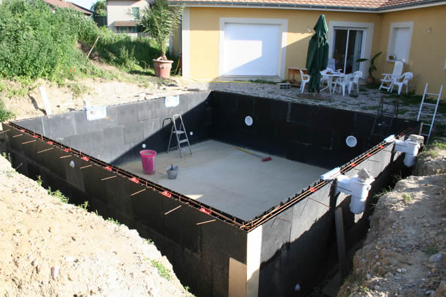 La structure du kit piscine solidpool à été monté