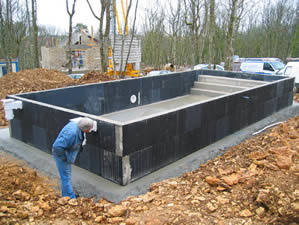 Piscine kit facile kit piscine solidpool carrelage la - Piscine beton en kit ...